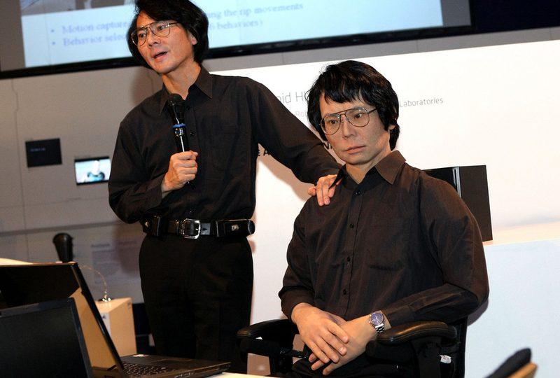 """Hiroshi Ishiguro e il suo clone robot: """"Vi presento Geminoid!"""""""