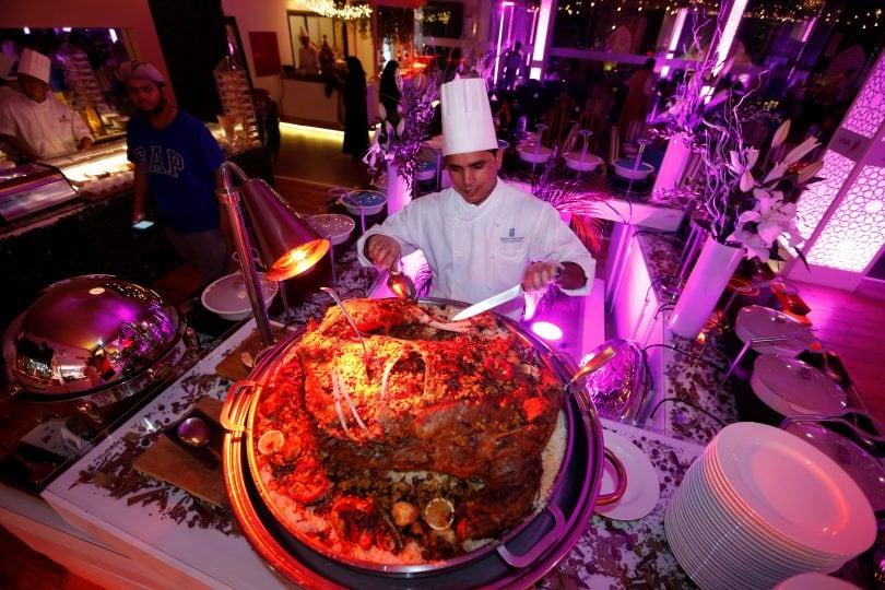 L'Iftar: le foto del pasto serale consumato dopo il digiuno del Ramadan