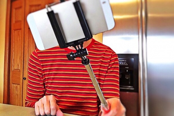 Perché ti fai i selfie? Scopri se appartieni a una di queste tre categorie…