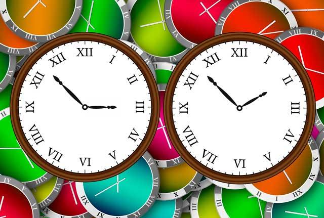 Indietro gli orologi: torna l'ora solare