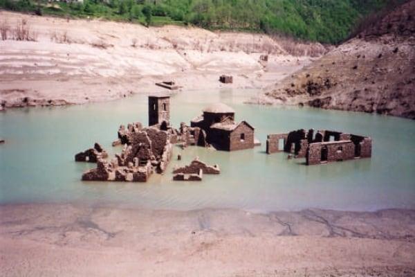 Fabbriche di Careggine, il paese fantasma