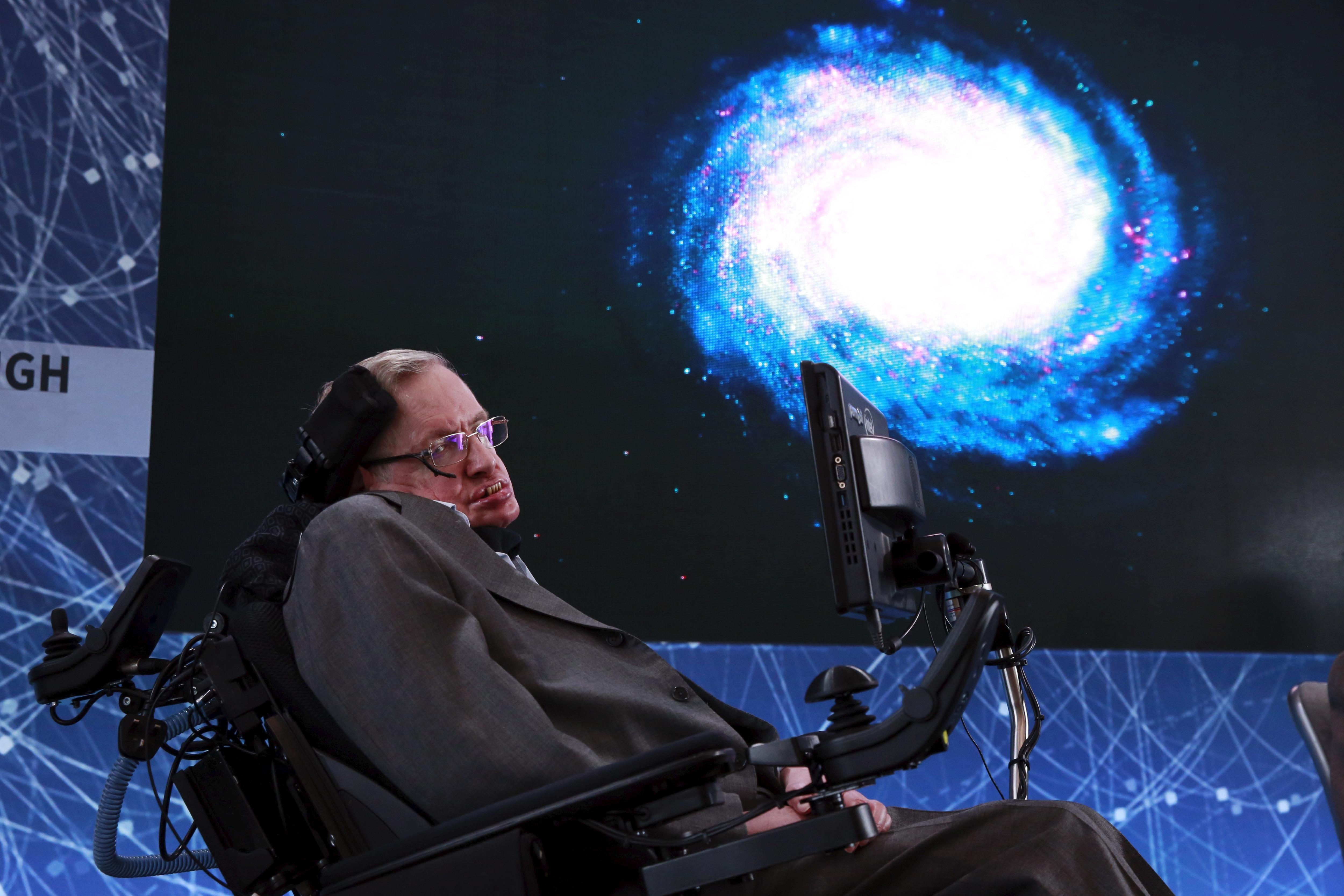Per Stephen Hawking la Terra è condannata e dovremo tutti trasferirci su altri mondi!