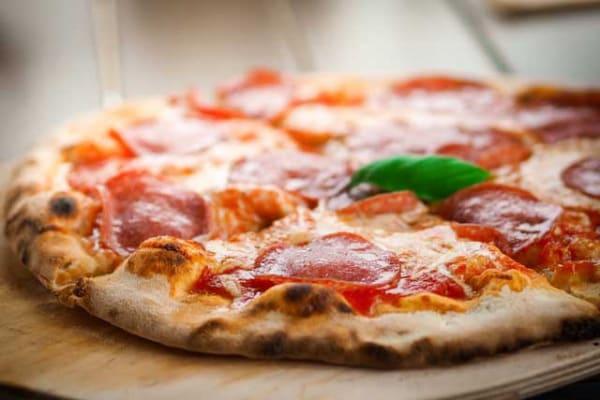 Geometria in cucina | Come dividere una pizza in modo equo