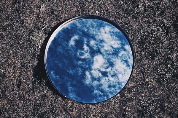 10 curiosità sugli specchi