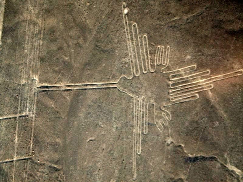 Un camion ha rovinato le linee di Nazca!