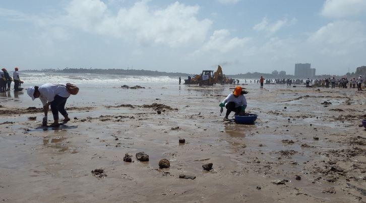 Da discarica a spiaggia più bella di Mumbai in 85 settimane