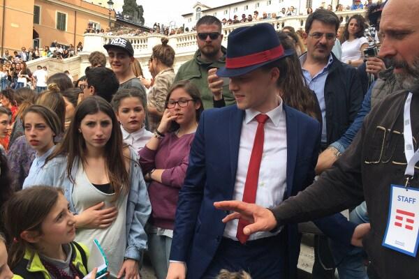 Il ballerino della Tim fa ballare Roma