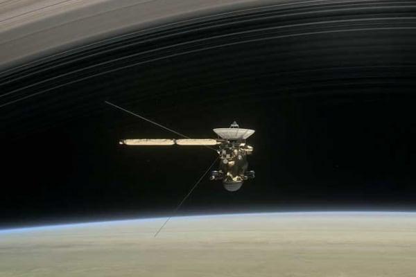 La sonda spaziale Cassini si prepara a lanciare l'ultimo segnale!