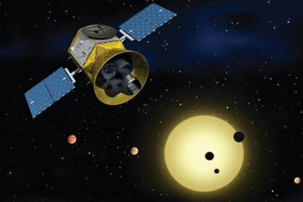 La Nasa lancia TESS, il nuovo telescopio che andrà a caccia di pianeti!