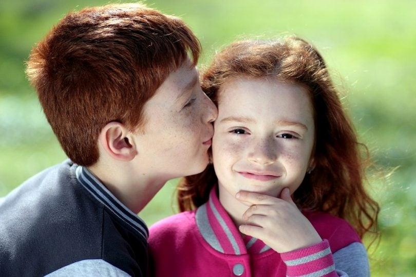 Scopri 20 curiosità sui baci che, forse, non conoscevi