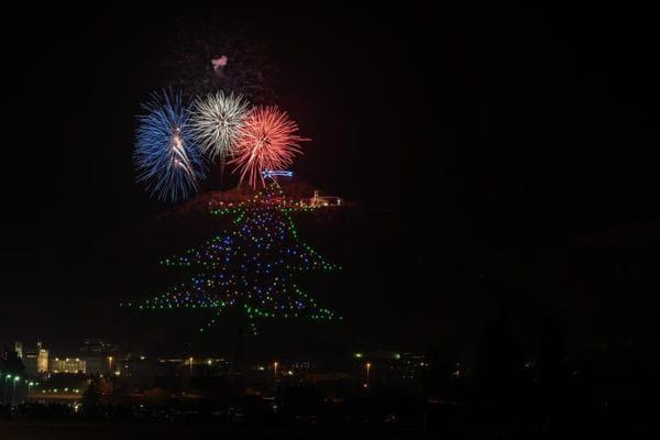 Record | L'albero di Natale più esteso del mondo…Lo ha acceso AstroPaolo!