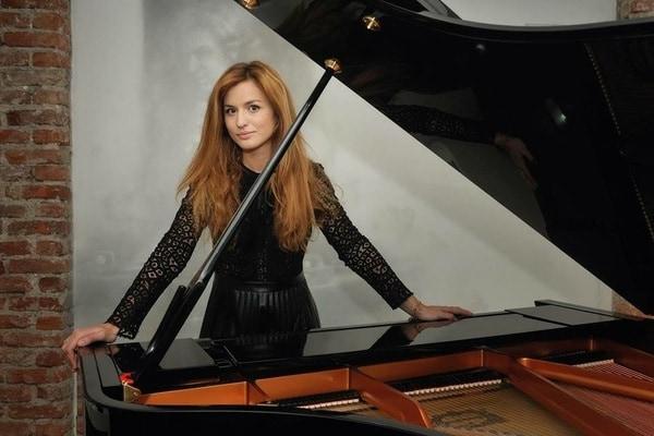 """Intervista al Direttore d'Orchestra Beatrice Venezi: """"Andiamo a comandare con la musica classica!"""""""