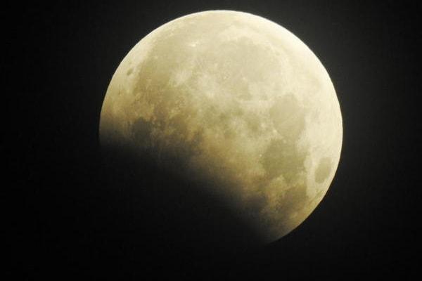 Eclissi di Luna: le immagini dal mondo!