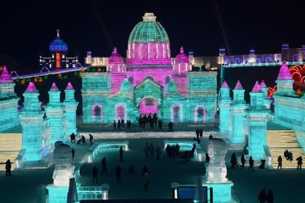 Inizia lo spettacolare Festival di Ghiaccio di Harbin!