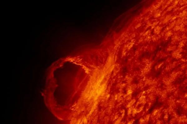 """La """"musica"""" del Sole ci dice che la nostra stella sta diventando più fredda, ma il clima è sempre più caldo. Perché?"""