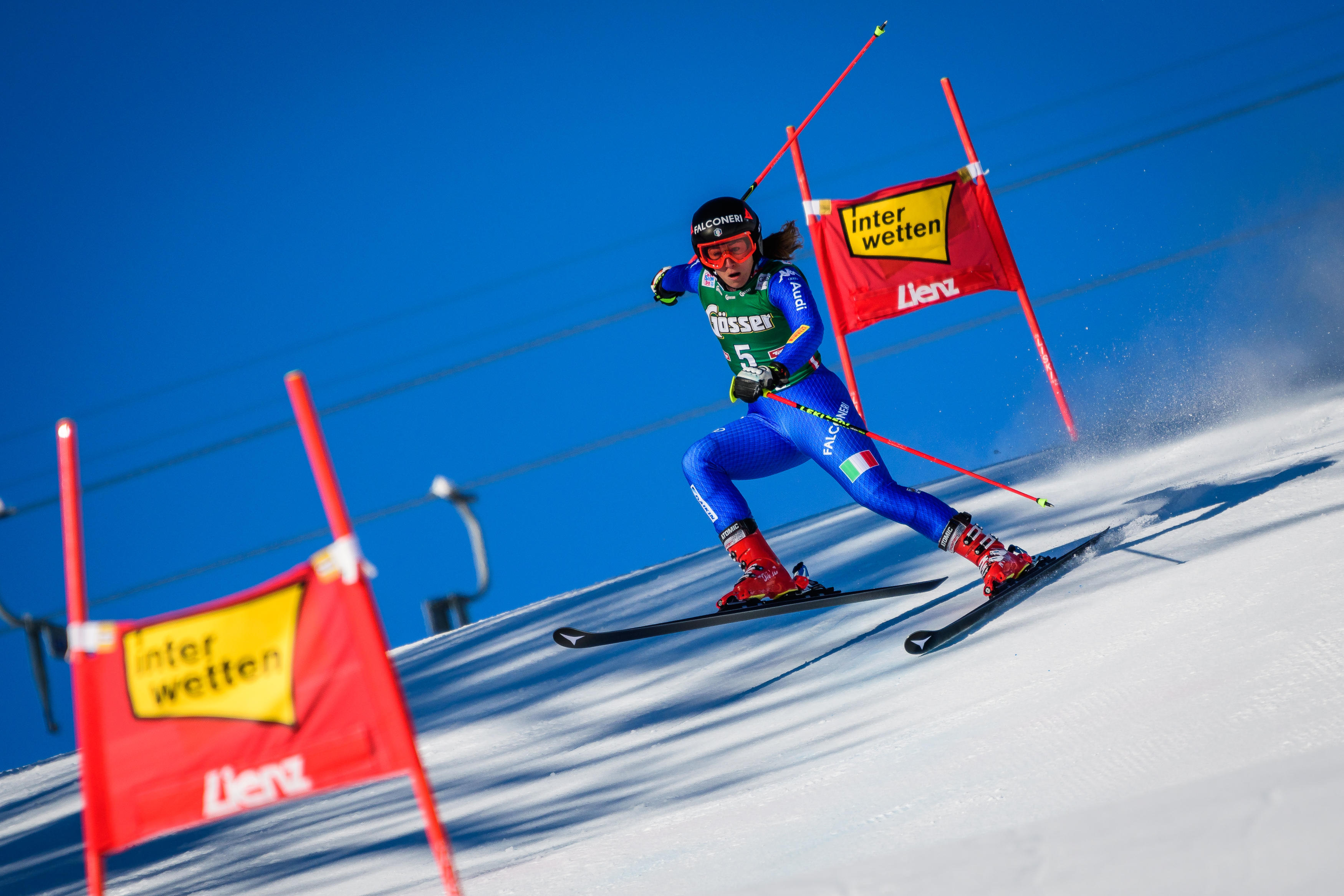 Le foto più belle della sciatrice Sofia Goggia, oro alle Olimpiadi / Image 9