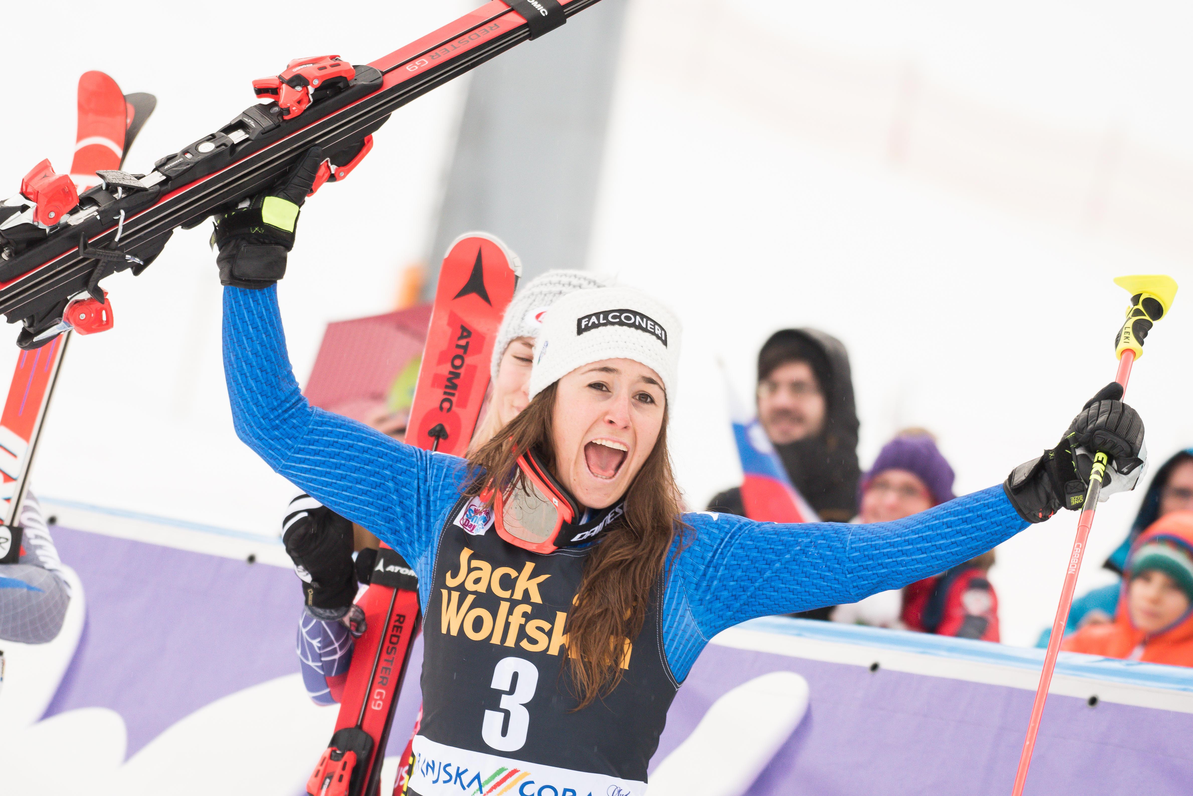 Le foto più belle della sciatrice Sofia Goggia, oro alle Olimpiadi / Image 10