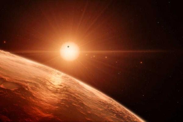 C'è vita nello spazio? L'acqua sui pianeti del sistema Trappist-1 fa pensare gli scienziati