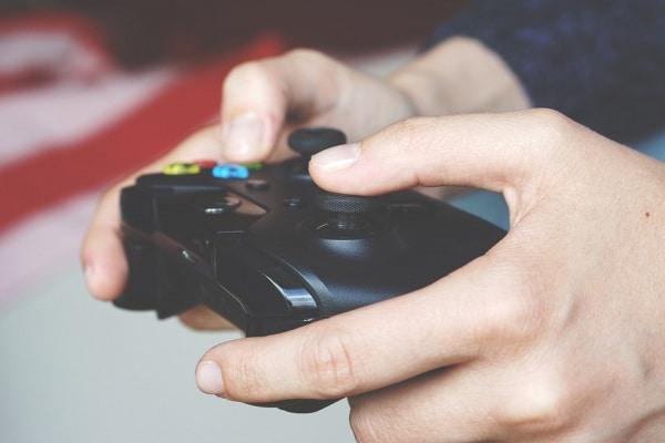 La Playstation 3 e l'ascensore sono nati il 23 marzo