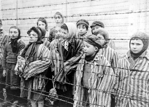 """Junior Reporter: il racconto """"Con gli occhi di un bambino ebreo!"""
