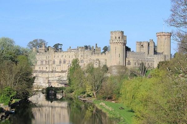 Come erano fatti i castelli nel Medioevo?