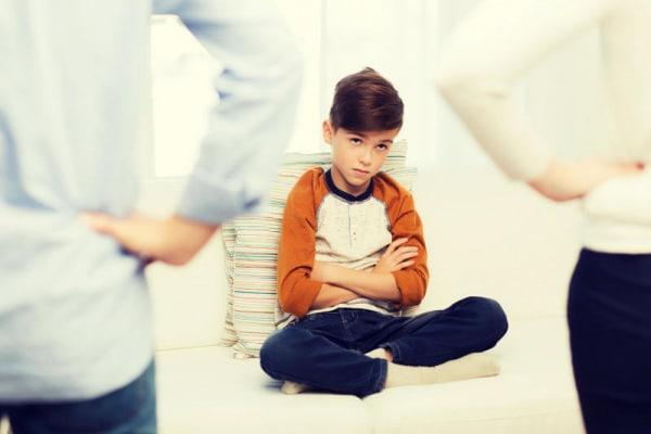 Capire i genitori: il dizionario per tradurre la lingua di papà e mamma
