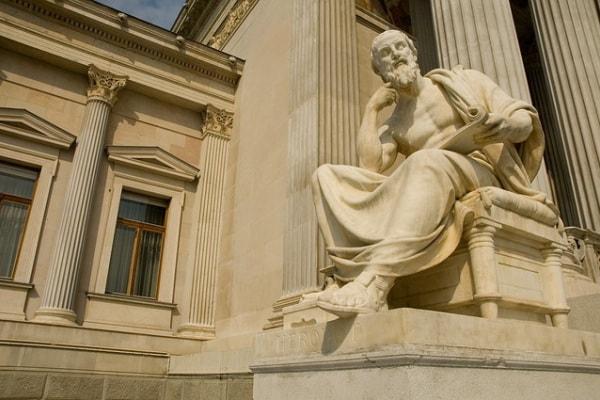Riconosci questi personaggi storici famosi?