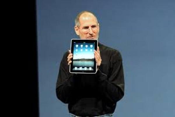 La Gazzetta dello Sport, il voto a 18 anni e il primo tablet Apple: è accaduto il 3 aprile