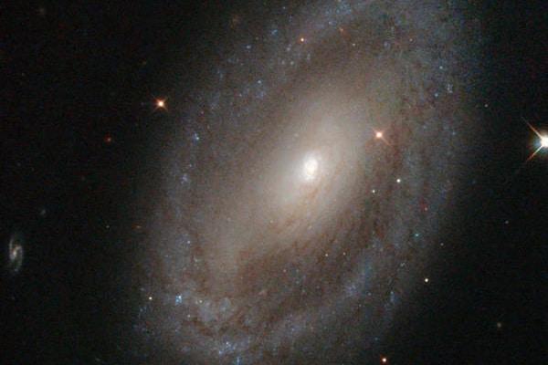 Le galassie si muovono molto più di quanto pensassimo: c'è una nuova fisica nell'Universo?