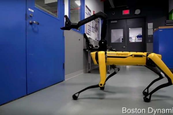 Spot Mini, il robot quattrozampe che sa aprire le porte