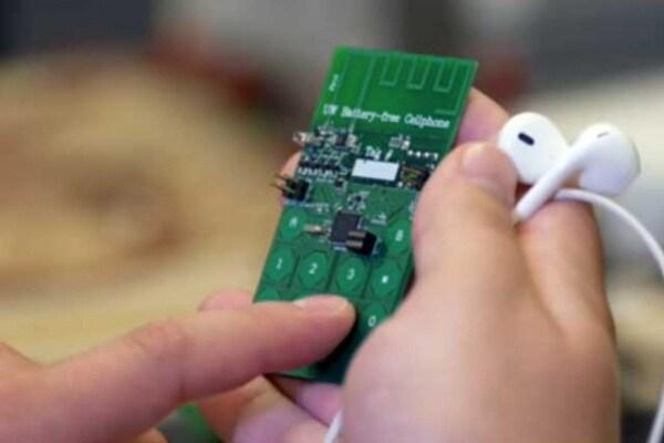 Inventato il cellulare che funziona senza batteria! (ma per averlo ci vorrà un po' di tempo)