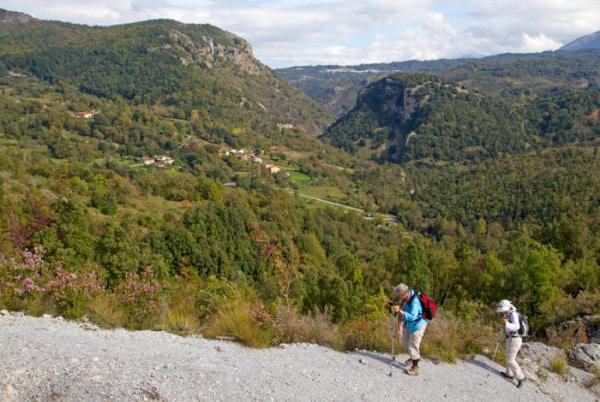 Il Parco Nazionale del Pollino ospita boschi e bellezze naturali al confine con la Basilicata. Prende il nome dal Monte Pollino, 2248 metri d'altitudine.