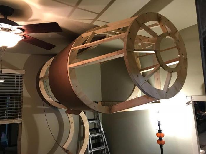 Sogni e Star Wars: Un papà tuttofare ha costruito al figlio un letto a forma di Millennium Falcon! / Image 5