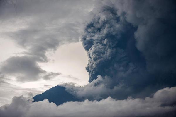 Panico a Bali: il vulcano Agung è in eruzione!