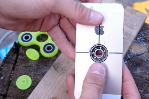 Pazzie made in Usa | Trasforma lo smartphone in un fidget spinner