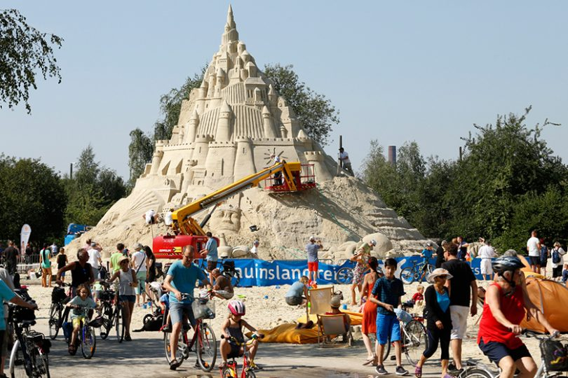 Il castello di sabbia più alto del mondo