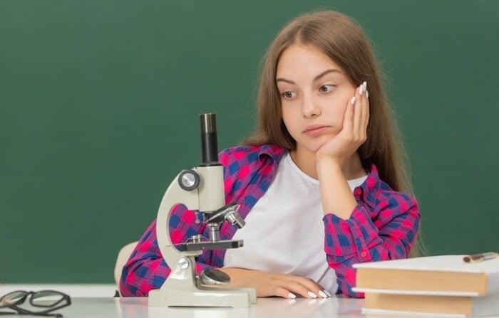 Idee di lezione sul metodo scientifico: chi è l'autore del disegno?