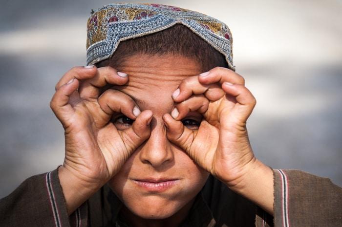 Un rifugiato afgano in classe: la storia di Asif